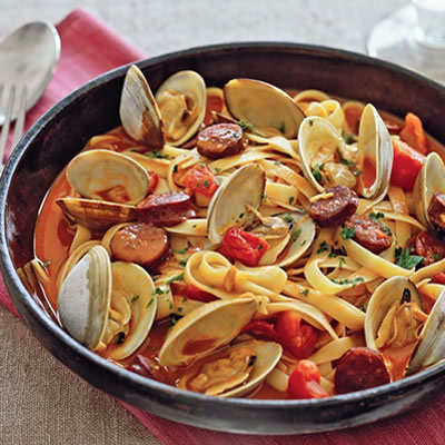Portuguese pasta with clams and chourio here is a recipe for portuguese pasta with clams and chourio it is a deliciously traditional and hearty portuguese dish which provides many of the best sciox Gallery