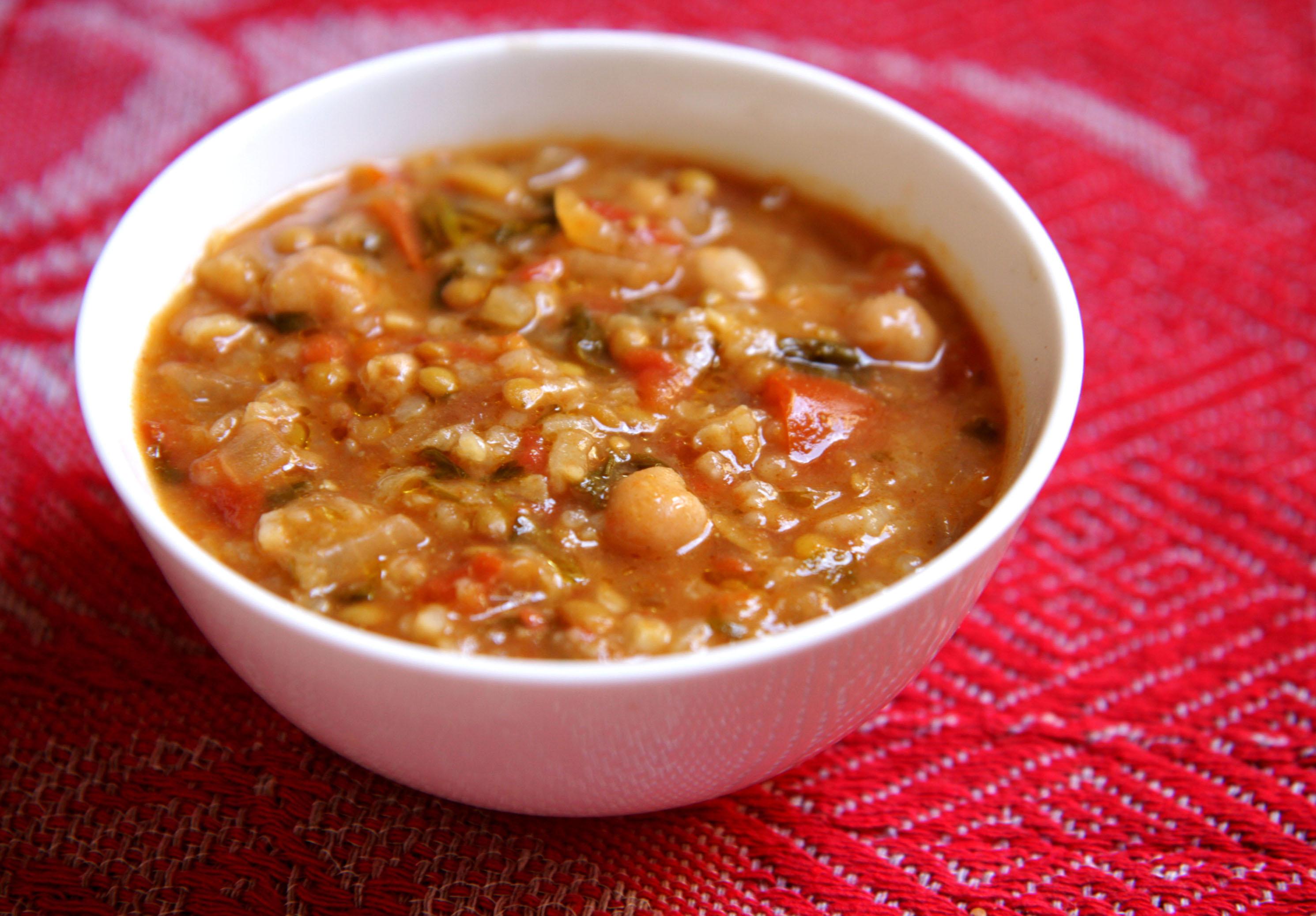 Lentil And Chickpea Soup (Sopa De Lentilhas Com Grão